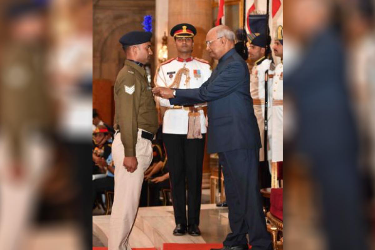 Moment of glory, as Prafulla Kumar from Bihar is conferred with Shaurya Chakra