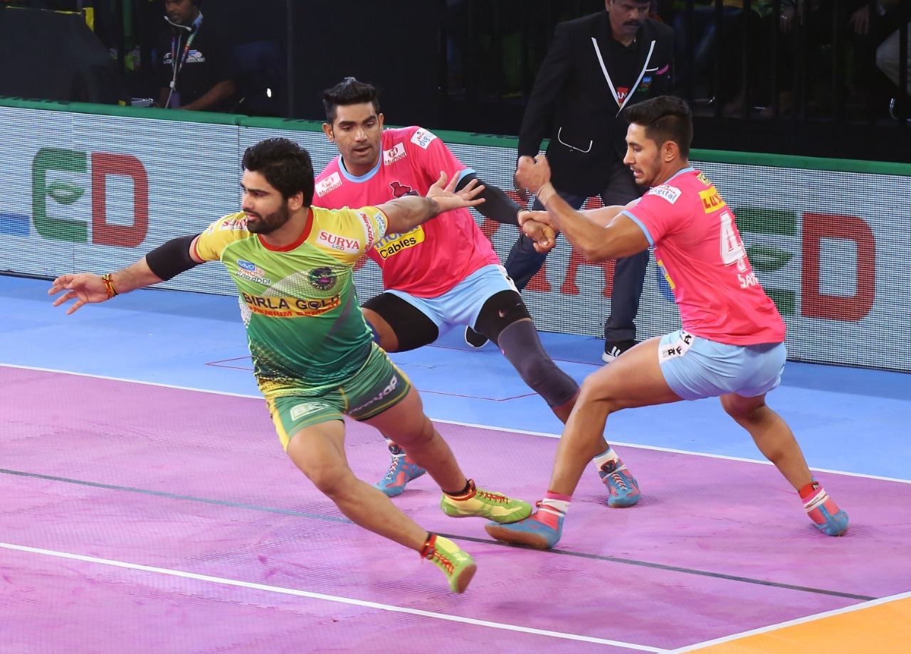 Patna Pirates beat Jaipur Pink Panthers 41-30 | Pro Kabaddi League