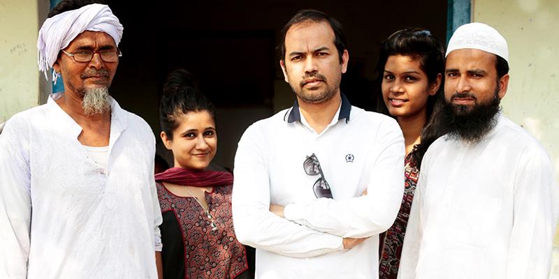 Udyan-Singh-with-Artisans-1