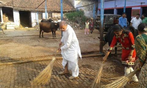 Prof Rampal Agarwal Nutan