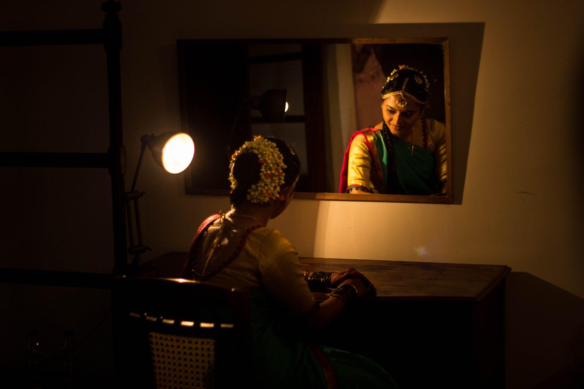 एक कविता बिहार से: पटना की युवा कवियत्री पूजा कौशिक की कविता, 'आइना'