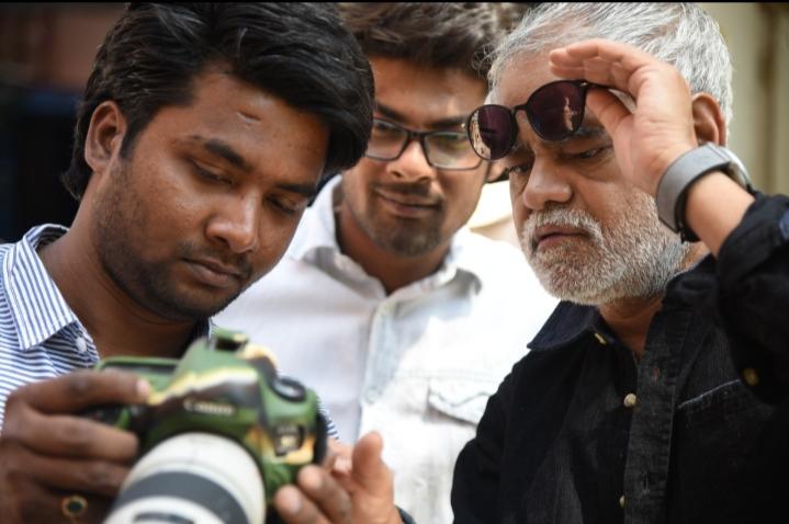 A spectacular photoshoot of Sanjay Mishra: Bihari babu in bilaeti style!