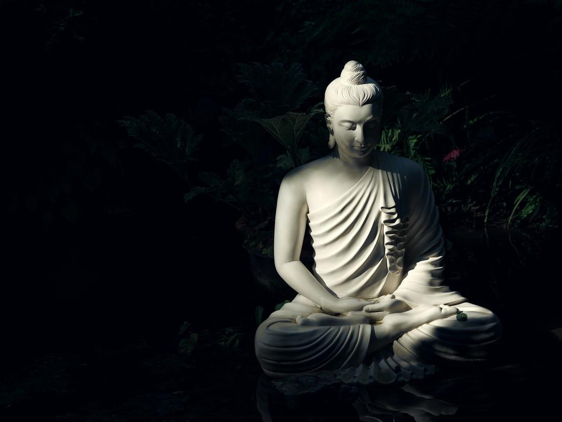 शुद्ध भावनाओं के साथ प्रार्थना, शांति, अहिंसा, और सद्भाव का प्रतीक है बुद्ध पूर्णिमा