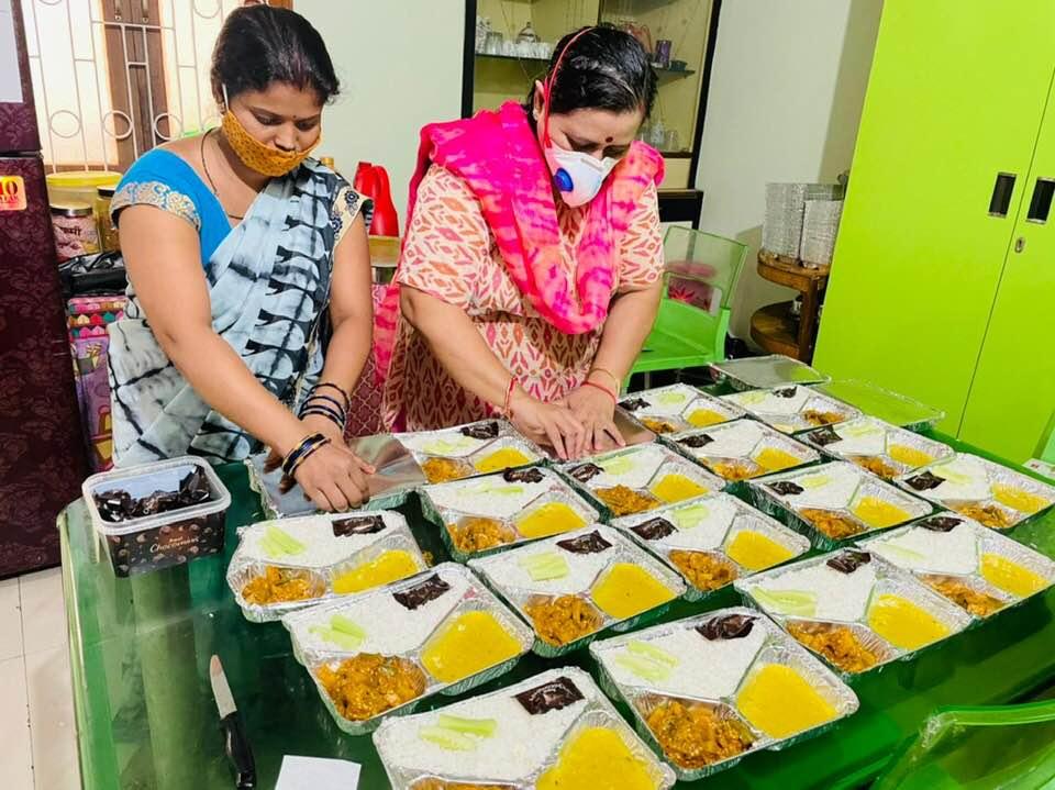 पटना यूनिवर्सिटी की प्रोफेसर हर दिन 100 से अधिक लोगों को मुफ्त में खिला रही खाना