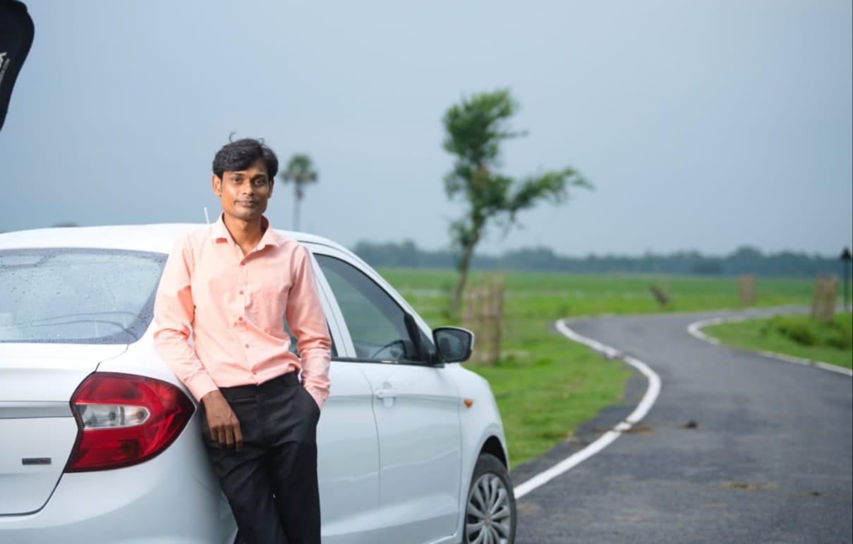 बिहार के गॉंवों तक कैब सर्विस पहुंचाने वाले दिलखुश युवाओं के लिए हैं रोल मॉडल